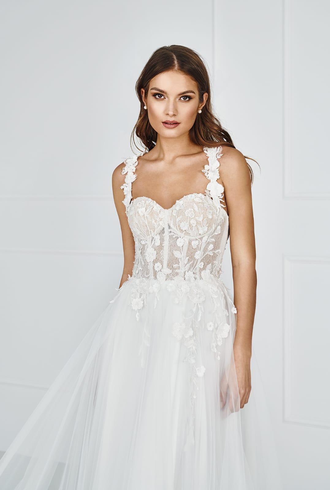 suknia ślubna z kwiatami 3d, suknia ślubna mielec